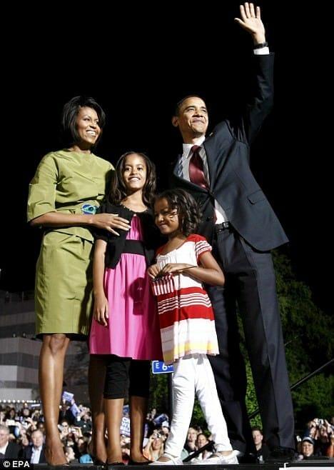 Barack Obama på julekortet, sammen med familien, som altid.