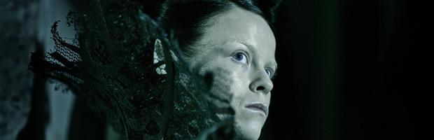 Iselin spilles af Signe Egholm Olsen