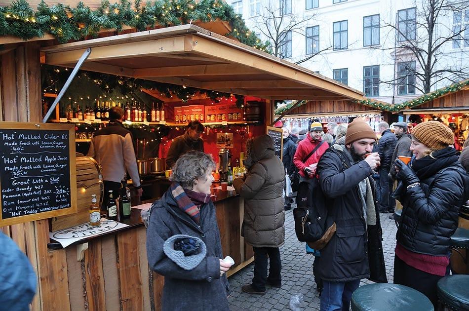 Deutsch's Julemarked på Højbro plads.